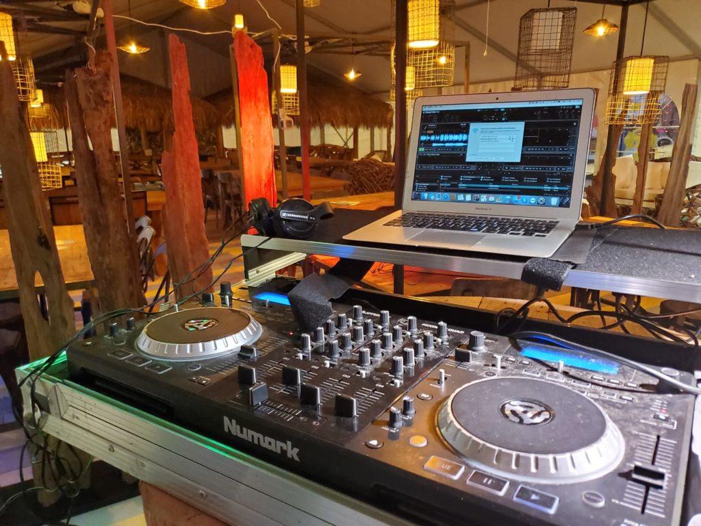 DJ au marché de la Seiche