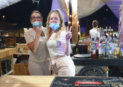 Les filles au bar masqué du marché de la seiche - Sevrier - lac d'Annecy