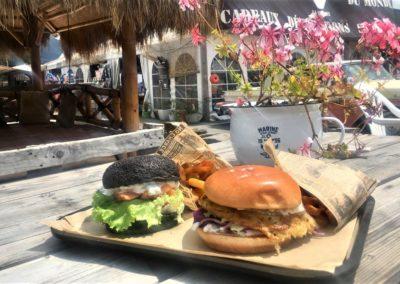 Burger frites par le restaurant le Mont Burger, marché de la Seiche, Sevrier