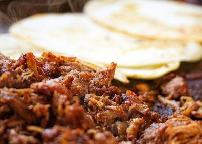 El Pastor-marinade piments séchés mexicains et épices douces. Viva Mexico - Marché de la Seiche, Lac Annecy, Sevrier