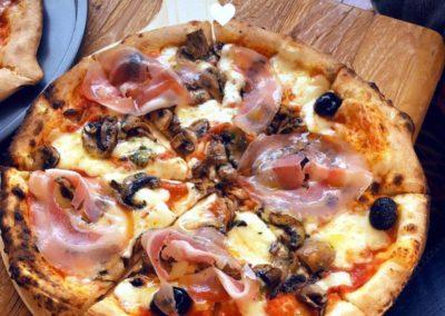 Piccolina Sicilia - première pizza. Le maché de la Seiche, Sevrier