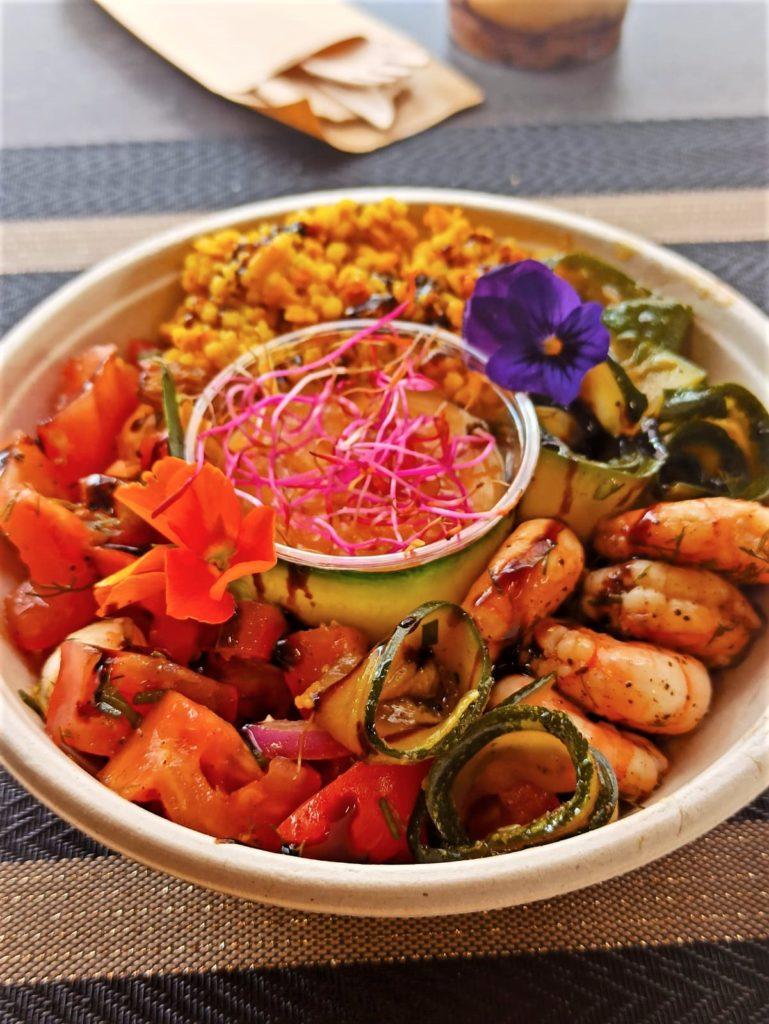 Salade composée par Savoyméricain. marché de la Seiche, Sevrier