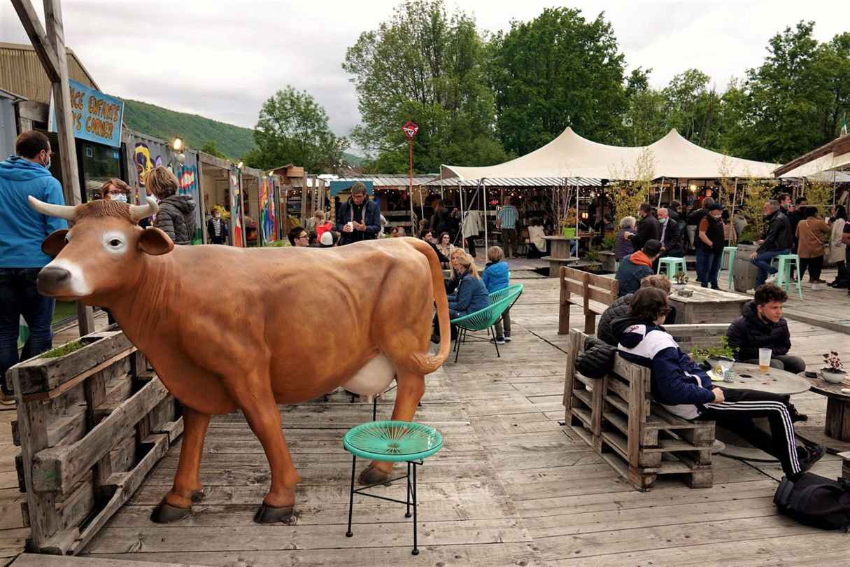 Terrasse du marché de la seiche - Sevrier - Lac d'Annecy. Restaurant, loisirs, bar.