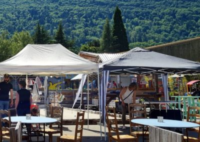 Artisanat au marché nocturne des créateurs, La Seiche à Sevrier, lac d'Annecy, Haute-Savoie