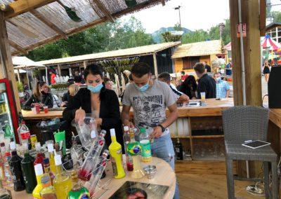 Equipe de L'Atmosphère, bar central du Marché de La Seiche, Sevrier