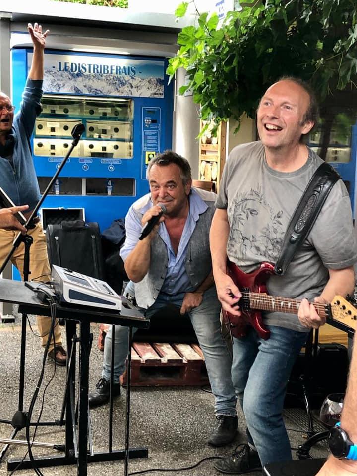 Fête du 14 juillet : Duo Wish au Marché de la Seiche, Sevrier. musique, Pop, Rock.