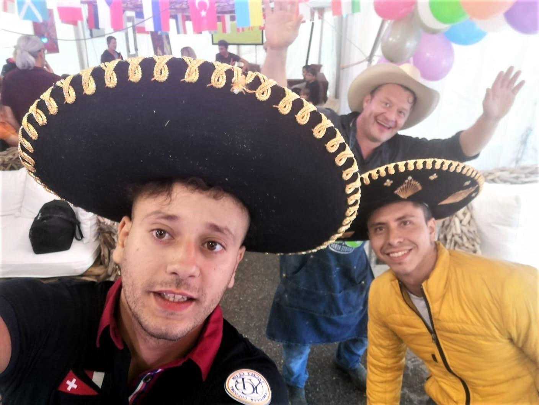 Ambiance fête mexicaine. Marché de la Seiche, terrasse, bar, restaurant, loisirs à, Sevrier, lac d'Annecy
