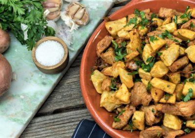 Viande de porc la portugaise par Saveurs de chez nous. stand-restaurant. la Seiche, Sevrier